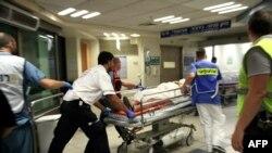 انتقال مجروحان به بیمارستان