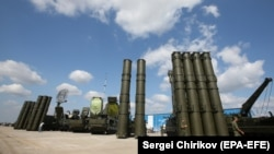 Зенитно-ракетные комплексы С-400 в России.