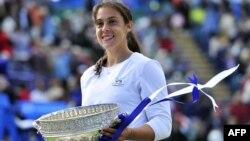 Перед тріумфом на Вімблдоні Маріон Бартолі виграла ще одне змагання на траві – турнір в Істборні
