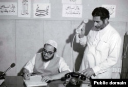 In his autobiography, Ayatollah Sadegh Khalkhali (seated) said he felt no remorse for sending hundreds of people to their deaths.