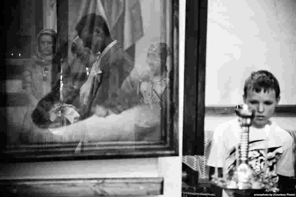 Marriage in an Orthodox church in Myadzel by photographer Uladzimer Nikalaychyk