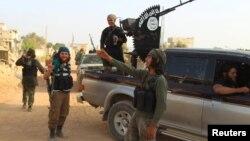 Идлиб провинциясындағы көтерілісшілер. Сирия, мамыр 2015 жыл.