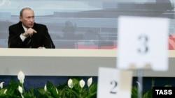 Vladimir Putinin yarıciddi-yarızarafat cavabları, Moskva, 1 fevral 2007