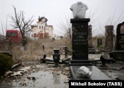 Разрушенный Иверский монастырь вблизи Донецкого аэропорта, 2017 год