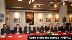 Čelnici svih 10 stranaka HNS-a BiH, foto: Mirsad Behram