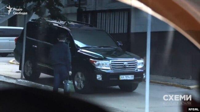 Пізніше одне з цих авт навідувалося і до Міністерства внутрішніх справ