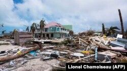 """После урагана """"Ирма"""". Остров Сант-Мартин. 7 сентября"""