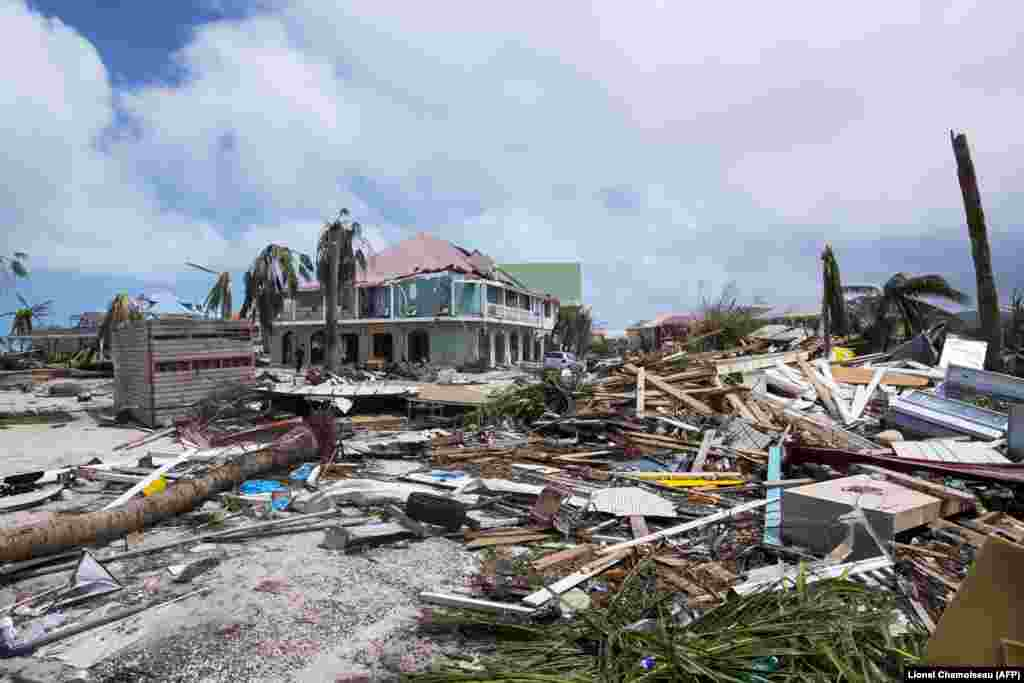 جزیره سن مارتین در کارئیب،هفتم سپتامبر