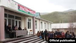 церемония открытия школы в Джилга