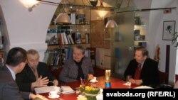 Сяргей Навумчык, Івонка Сурвіла і Вацлаў Гавал, сакавік 2008 году