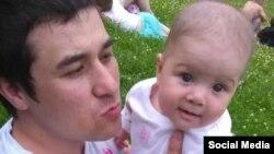 Девочка с отцом
