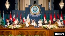 شیخ صباح، امیر کویت، در مقام ریاست جلسه سران عرب در مارس ۲۰۱۴