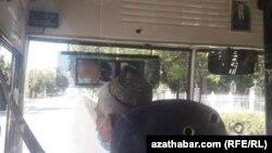 Aşgabatda awtobus sürüjisi