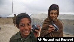 Radio distribution by RFE's Afghan service Radio Azadi