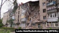 Зруйнований внаслідок бойових дій будинок, Слов'янськ, 7 липня 2014 року