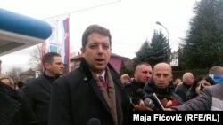 Ne mogu mnogo da zamerim onim ljudima koji funkcionere Pokreta socijalista sa KiM ovih dana nazivaju izdajnicima: Marko Đurić