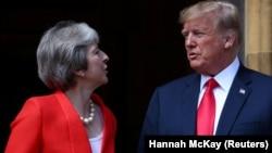 Presidenti amerikan, Donald Trump dhe kryeministrja britanike, Theresa May.