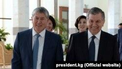 Ўзбекистон президенти Ш.Мирзиёев Қирғизистон президенти А.Атамбаев билан, Тошкент, 2017 йил 5 октябри.