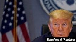 Трамп дар ҷаласаи марбут ба вазъи коронавирус дар ИМА иштирок мекунад