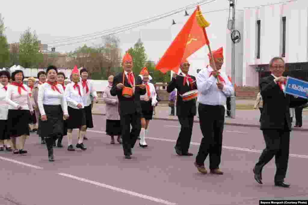 День пионерской организации. Парад ветеранов движения