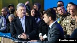 Пётр Порошенко и Владимир Зеленский во время предвыборных дебатов. Киев, 19 апреля 2019 года.