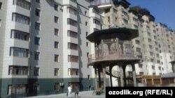 Многоэтажный дом, построенный строительной компанией Умара Раджабова.