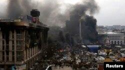 Столкновения на Майдане Незалежности в Киеве. 19 февраля 2014 года.
