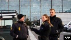 ماموران پلیس دانمارک در اطراف ترمینال شماره سه فرودگاه کپنهاگ