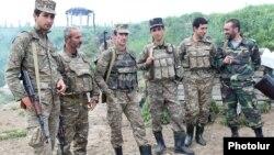 ԼՂ ՊԲ զինծառայողները շփման գծում, արխիվ