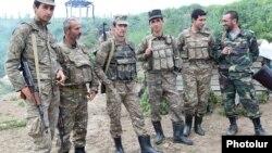 ԼՂ ՊԲ զինծառայողները շփման գծում, մայիս, 2016թ․