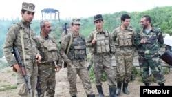Dağlıq Qarabağdakı erməni əsgərlər, arxiv fotosu