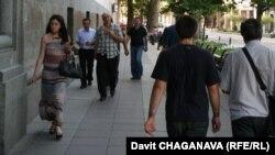 На 52 вопроса исследователей ответили более тысячи тбилисцев