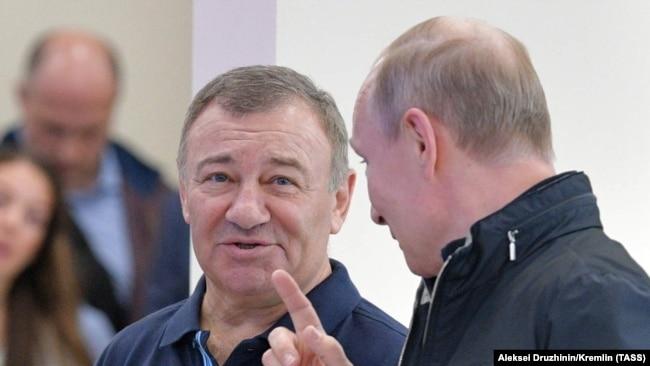 Аркадий Ротенберг и Владимир Путин, архивное фото