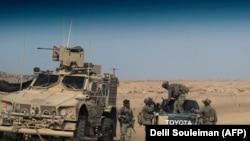 Поддерживаемые США силы в Сирии близ границы с Ираком. 13 сентября 2018 года.