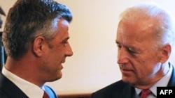 Takimi i nënpresidentit amerikan Xho Bajden me kryeministrin kosovar Hashim Thaçi, Uashington, DC, 21 korrik, 2010