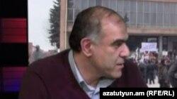 """""""Сайланбалы парламент"""" оппозициялық тобының жетекшісі Гарегин Чугасян."""
