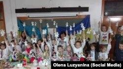 Українці Португалії передали подарунки дітям зі сходу України