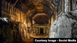 Один из тоннелей секретного подземного города, построенного заключенными концлагеря Гросс Розен