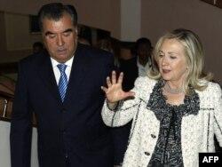 U.S. Secretary of State Hillary Clinton (right) meets with Tajik President Emomali Rahmon in Dushanbe