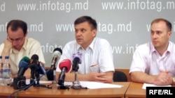 Valeriu Prohnitchi, Igor Botan, Oleg Cristal