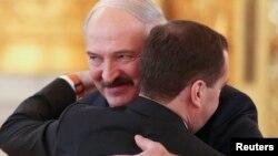 Аляксандар Лукашэнка і Дзьмітры Мядзьведзеў, архіўнае фота