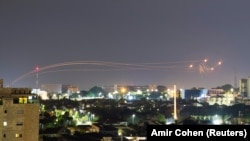 Harbylar Demir gümmez howa gorag ulgamynyň Gazadaky söweşijileriň Ysraýylyň günortasynda atan iki raketasyny saklandygyny aýtdy.