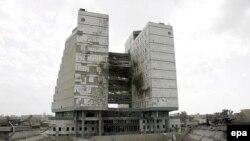 مبنى وزارة المالية العراقية بعد تعرضه لإنفجار في 21 آذار 2007
