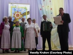 Василий Крюков с хором ветеранов
