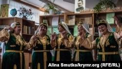 Урумский коллектив «Бир тайфа», Старый Крым (Донецкая область)