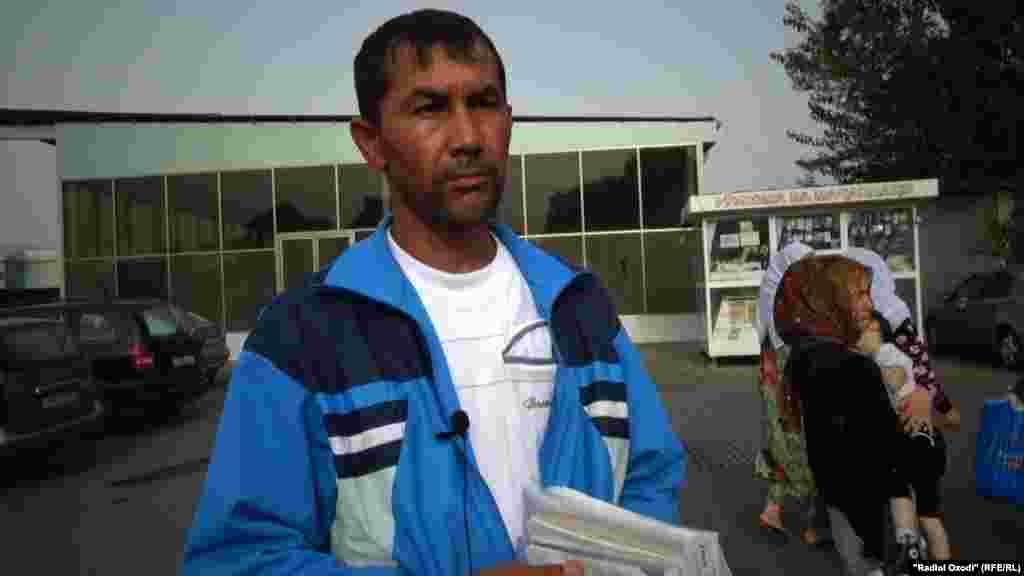 «Было около пяти часов вечера. Девочку похитили за пять-десять минут… Ее тело нашли в четыре часа утра», - рассказал Таджикской редакции Азаттыка отец девочки Абдусалом Саидов.