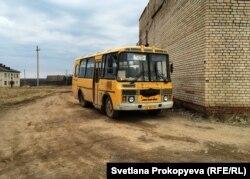 Рейсовый автобус в деревнях Псковской области