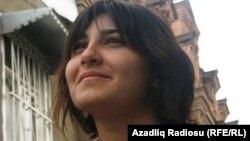 """""""Work and Travel"""" бағдарламасына қатысушы әзербайжан студенті. (Көрнекі сурет)"""