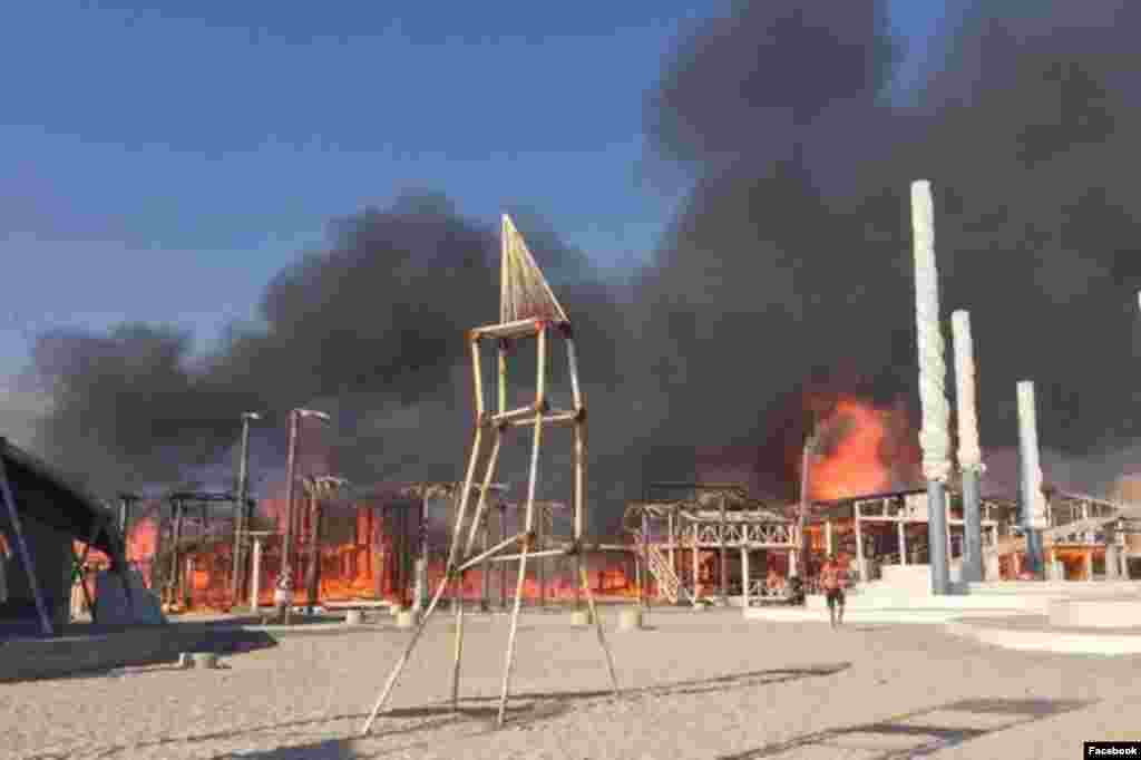 Пожежа на колишній території «Казантип» почалася ввечері 17 липня