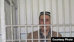 Таджикский журналист Махмадюсуф Исмоилов на заседании суда, 21 июня 2011 года.
